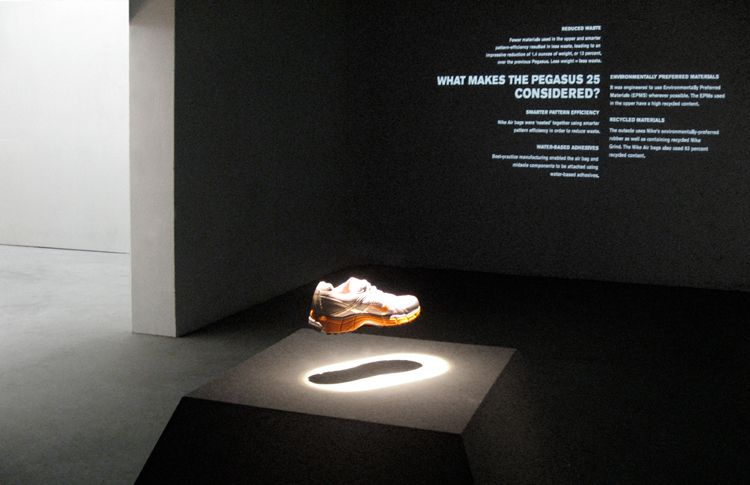 nike new shoes display - Google ?? | Interior // Stores