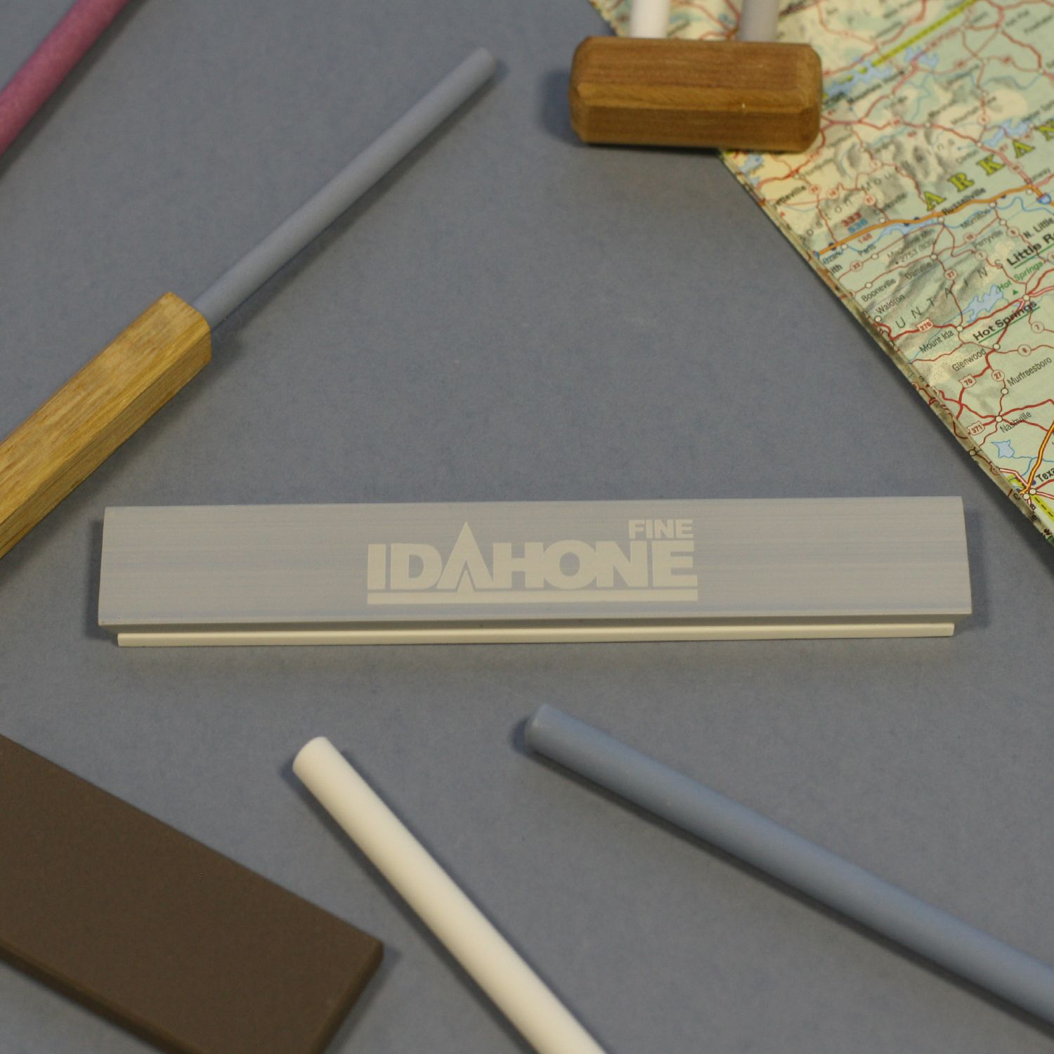 IDAHONE ceramic sharpening stone (Edge Pro format) mounted on aluminum blank