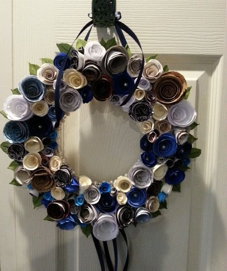 Make a wreath with scrap paper