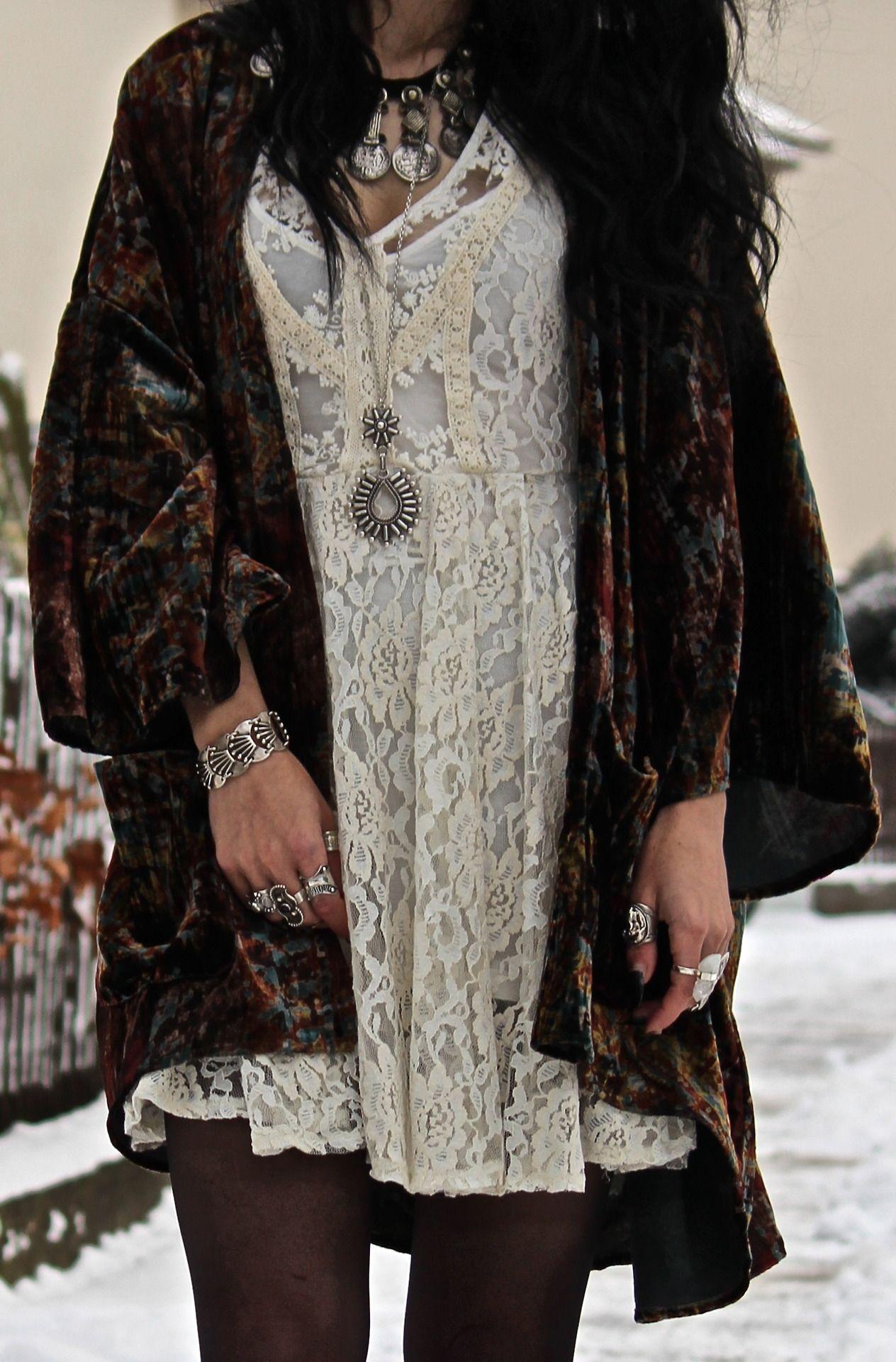 a473c3baca78ef Tessa Diamondly - Urban Outfitters Velvet Kimono
