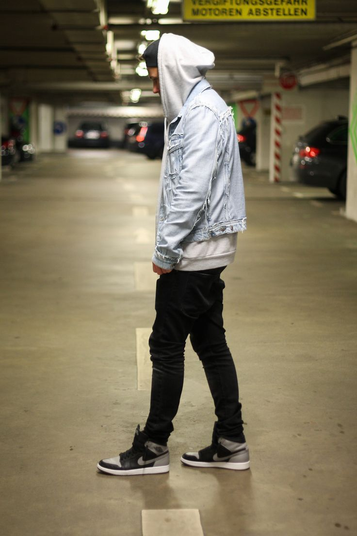 street style, faded denim and nikes. cr. http://maxelinho.