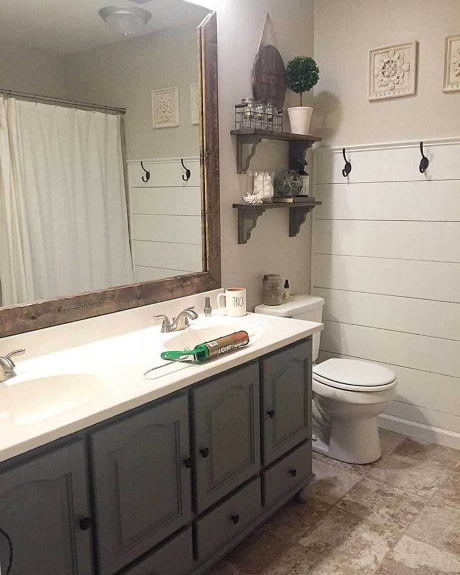 32 Perfect Small Bathrooms With Shiplap Walls Ideas Decorecord Shiplap Bathroom Wall Gray Bathroom Decor Farmhouse Bathroom Decor