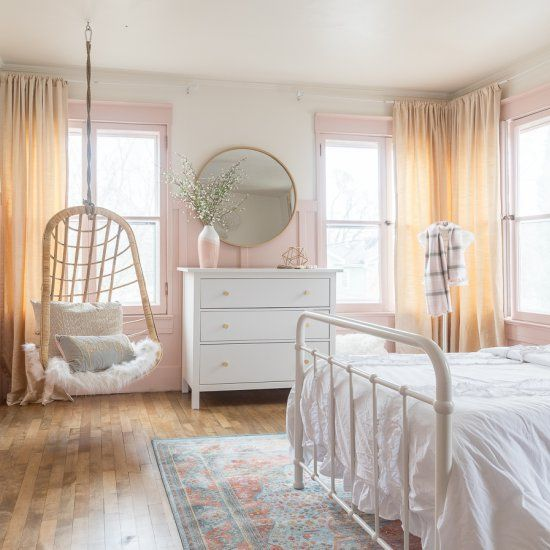 12 Perfect And Calming Bedroom Ideas For Women: Come Take A Tour Of This Relaxing Pink And Gold Bedroom