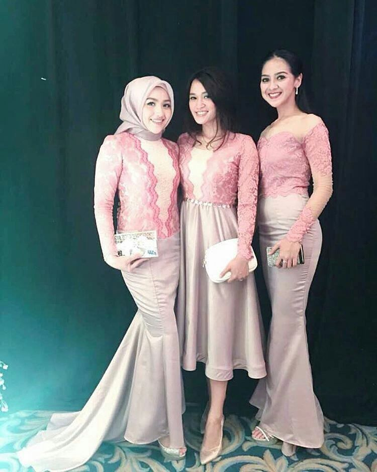 Pin By Dyah Anie On Fashion In 2019 Designer Bridesmaid Dresses
