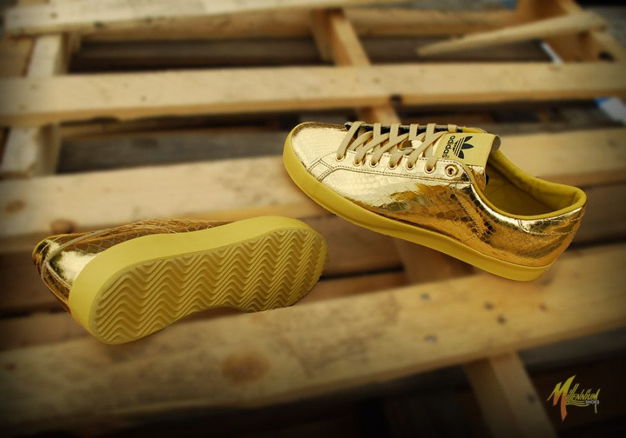 adidas jeremy scott gold rod laver