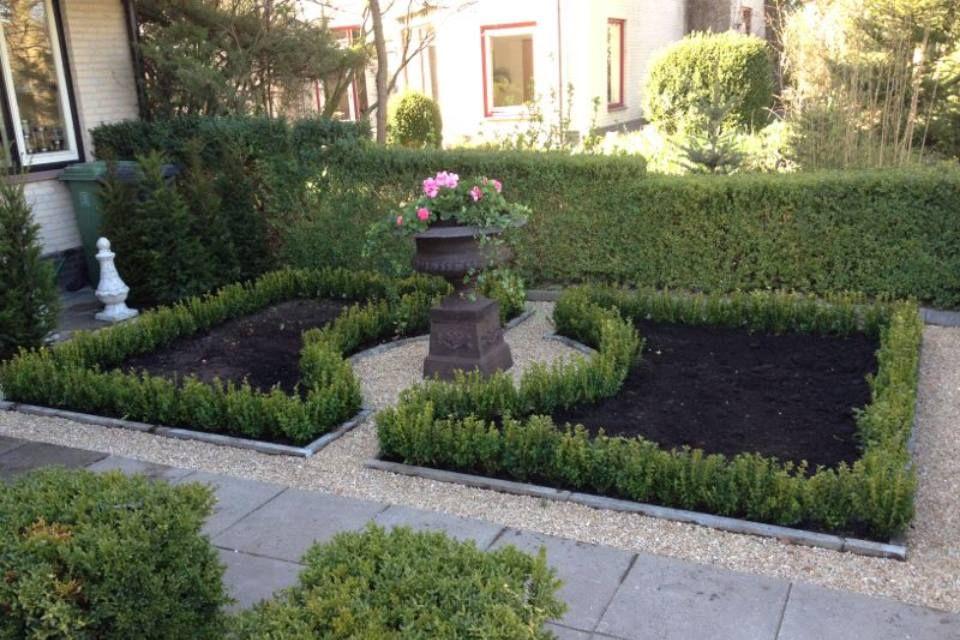 Grind Tuin Aanleggen : Aanleg voortuin hovenier buxus grind rozen tuin aanleg