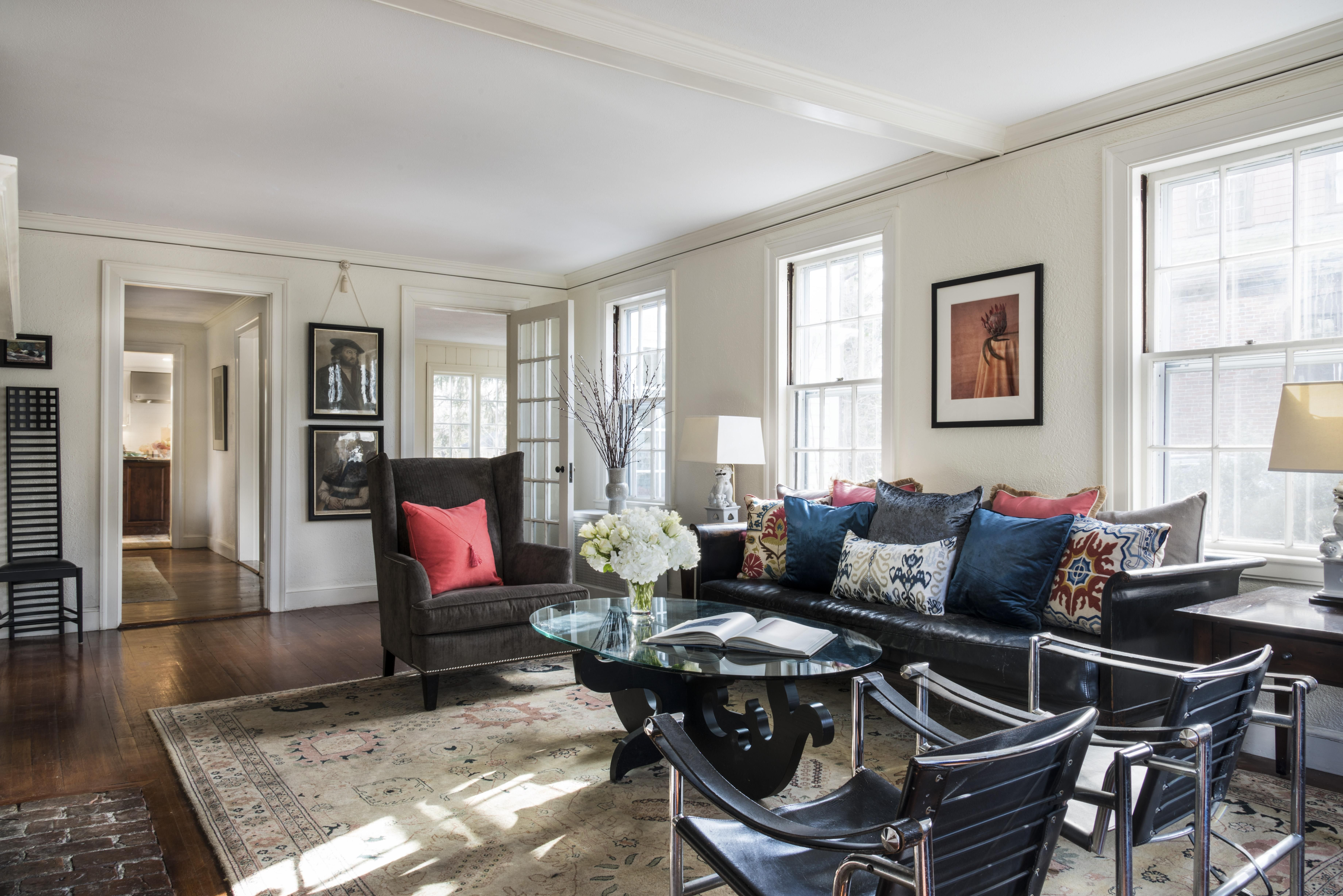 Quaint New England Living Room [288 x 288] http://ift.tt/28C28SrjN