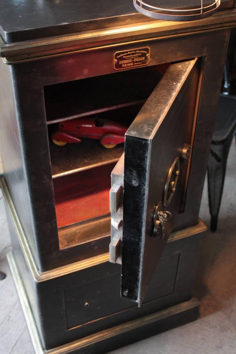 Epingle Par Wildon Priddy Sur Antique Safes