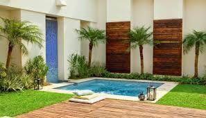 Resultado de imagen para piscina encostada no muro