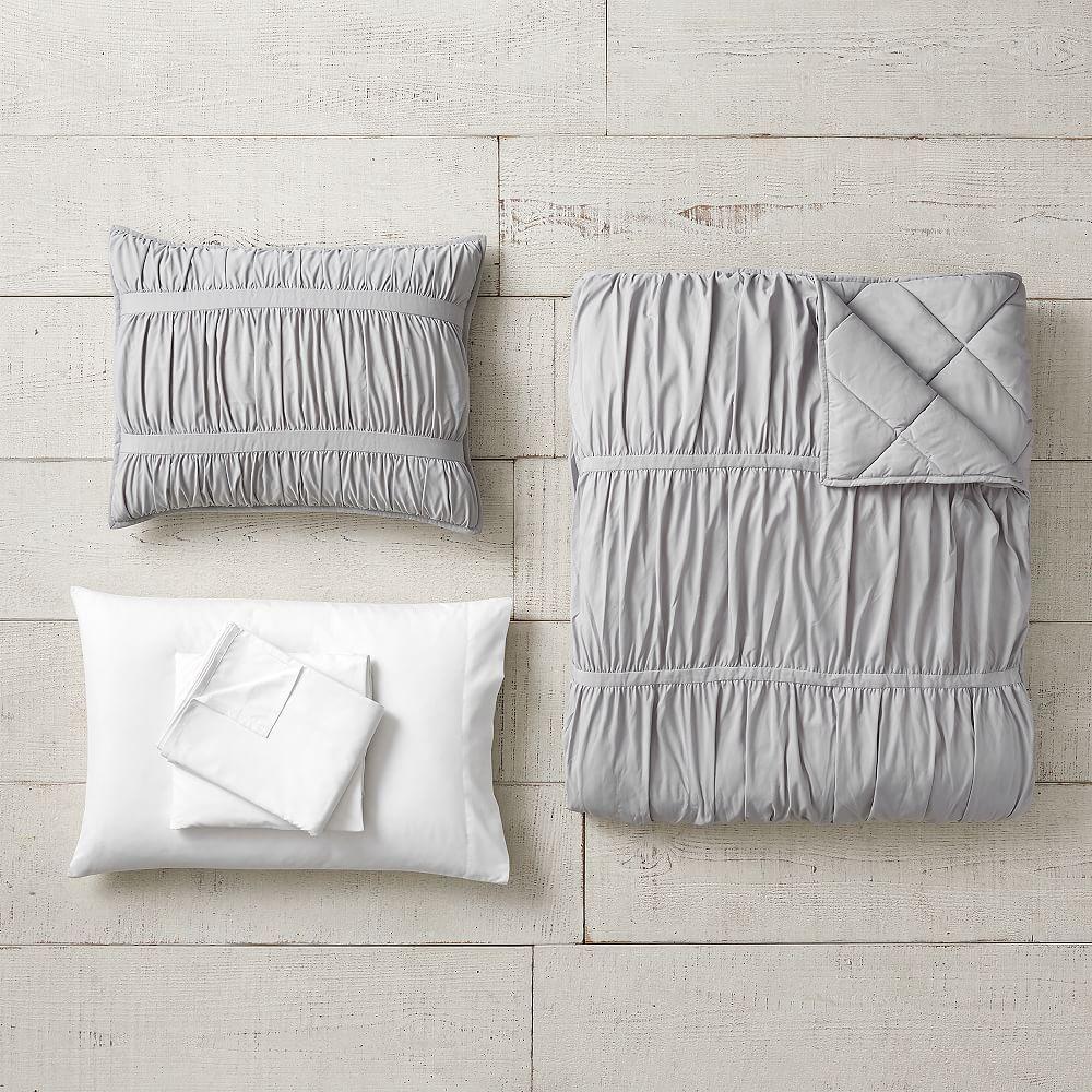 Photo of Pucker Up Comforter Set