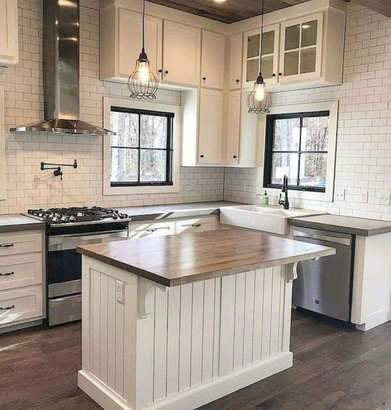 40 best rustic farmhouse kitchen cabinets makeover ideas small farmhouse kitchen farmhouse on farmhouse kitchen small id=79598