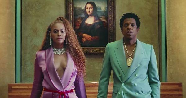Beyoncé y Jay-Z hacen del Louvre un templo de amor y 'Black Power' en su último videoclip  ||  El video de Apeshit presenta al matrimonio en el museo parisino como figuras a un paso de la deidad http://www.vogue.es/celebrities/articulos/beyonce-video-apeshit-louvre-jay-z/35389