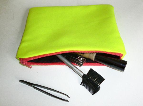 Neon Yellow Make Up Bag ☻                                                                                                                                                                  ⇜•ṄεΦЙ❉€яᗛƶΣ•⇝