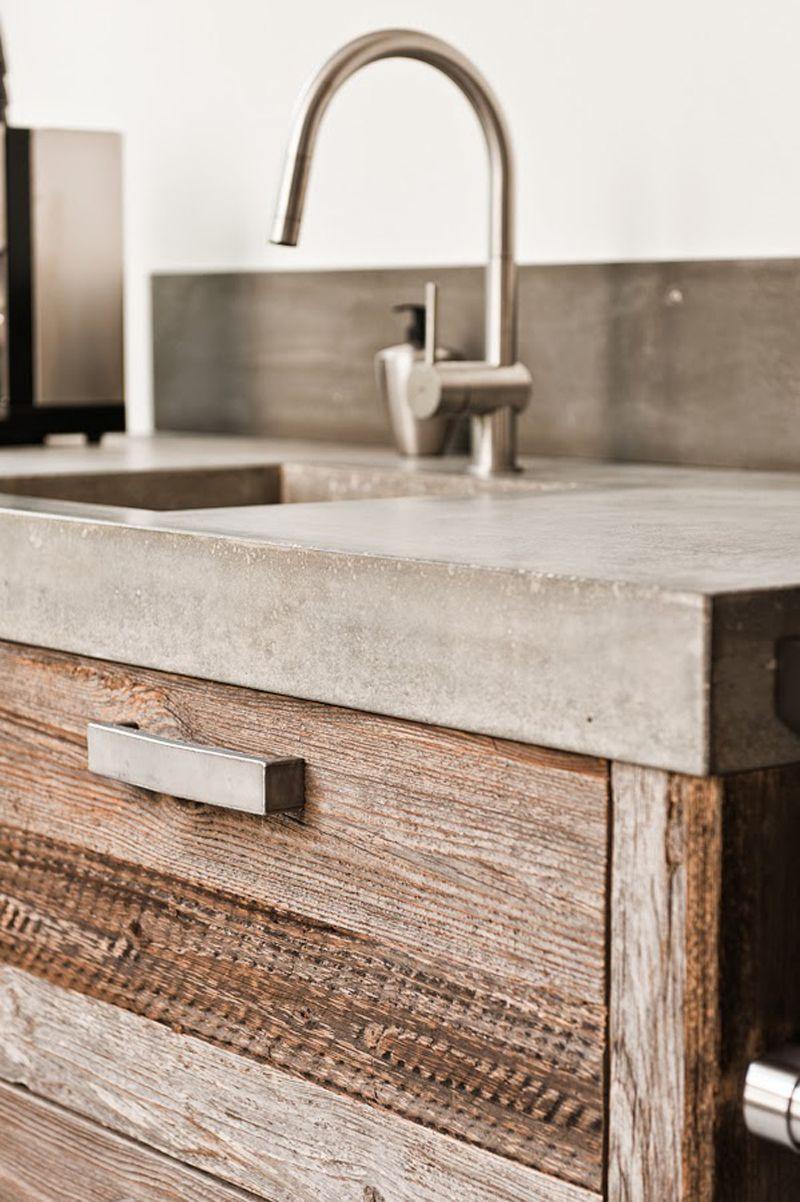 Drewno Z Odzysku Z Kuchni Fronty Ze Starego Drewna Concrete Bathroom Concrete Countertops Kitchen Concrete Kitchen