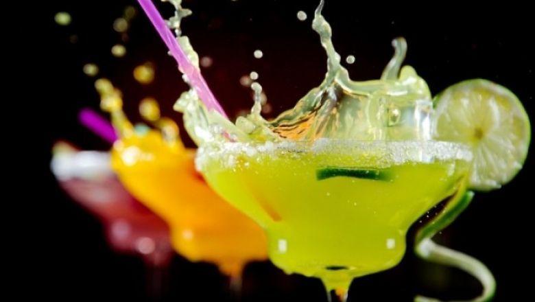 [ΓΕΥΣΕΙΣ] - Και αν σερβίρονται στα μεγάλα εντυπωσιακά στολισμένα ποτήρια, τότε πολύ απλά εύκολα μπορούν να...