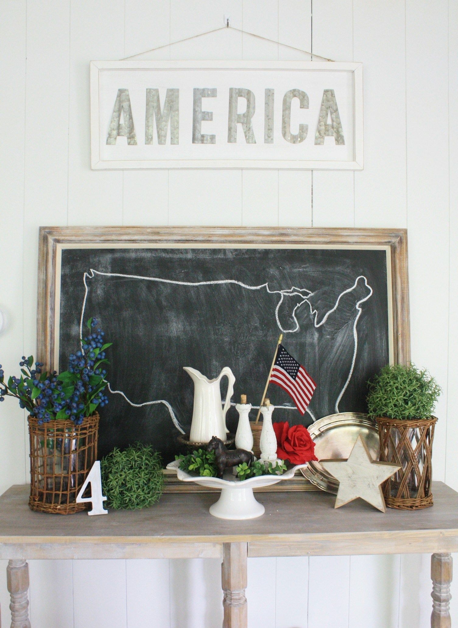 Check Out This Beautiful Farmhouse 4Th Of July Decor This