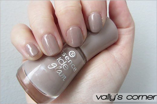 Vally's corner - Blog | Life, beauty, books and something more.: Nails - Essence Nude Glam #05 Café Olé