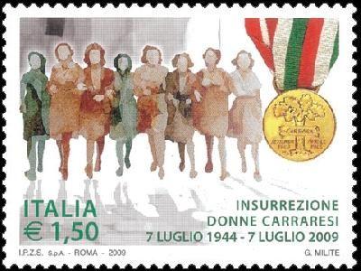 Insurrezione donne carraresi 1944-2009 - Gruppo di donne e medaglia - 2009. Pag. 34