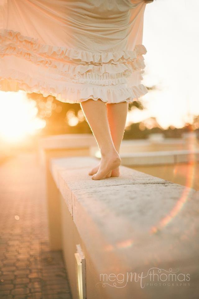 Children's photography / Golden Hour / Natural Light Photography / Little Girl Pose / sun flare / dollcake