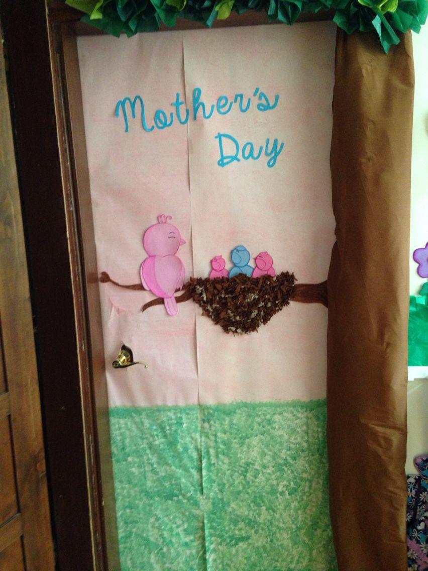 Decoraci n de puerta para preescolar del d a de las madres for Puertas decoradas para el dia del libro