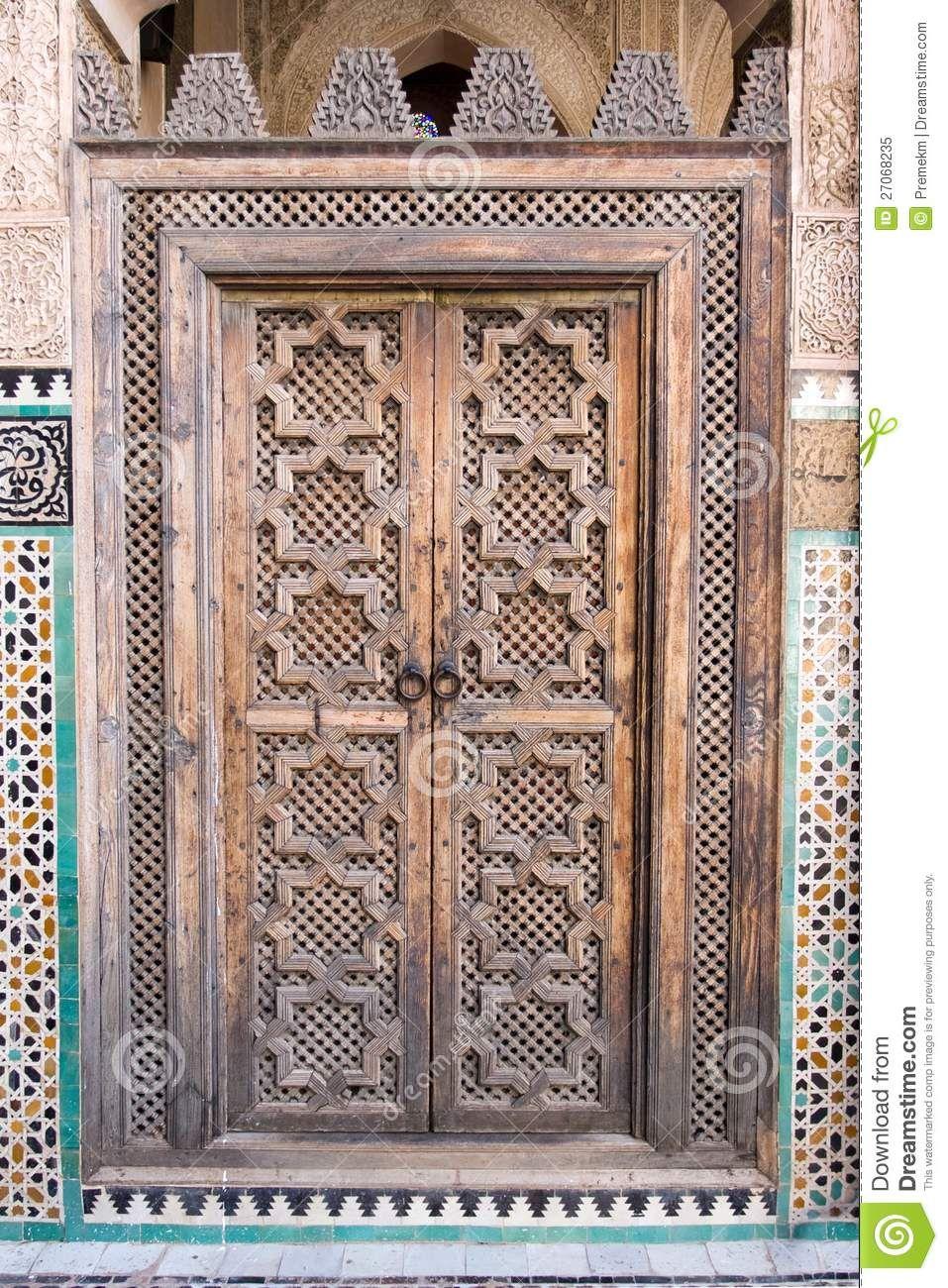oriental-door-madarsa-fes-morocco-27068235.jpg (957×1300) & oriental-door-madarsa-fes-morocco-27068235.jpg (957×1300) | Doors ...