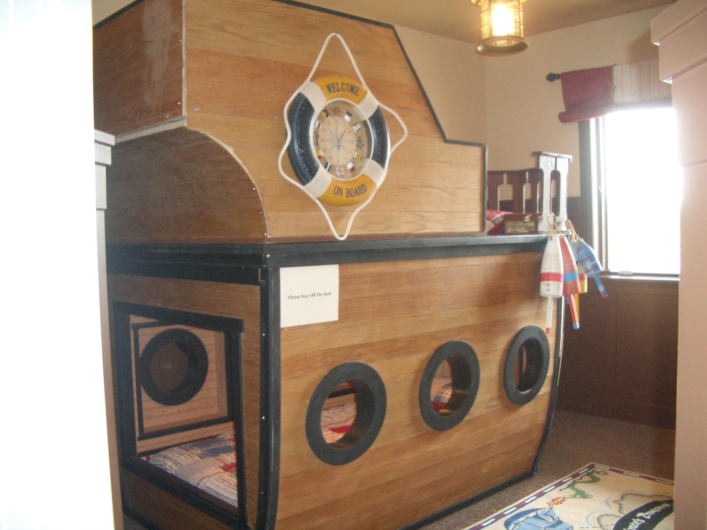 pirate ship bunk beds...the boys would love this!!! Who