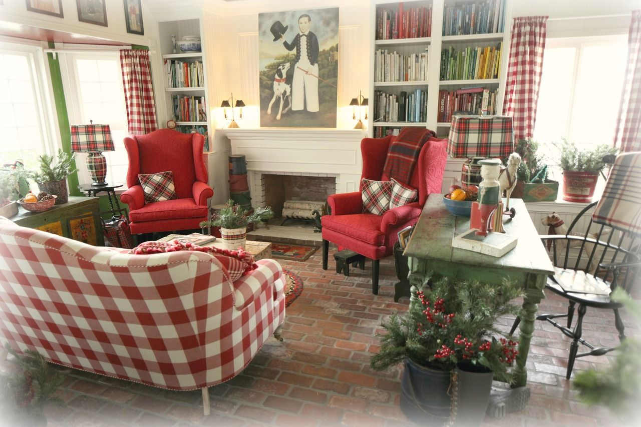 Tilling By The Sea So Much To Love Checked Couch Plaid Pillows And Lamps Country