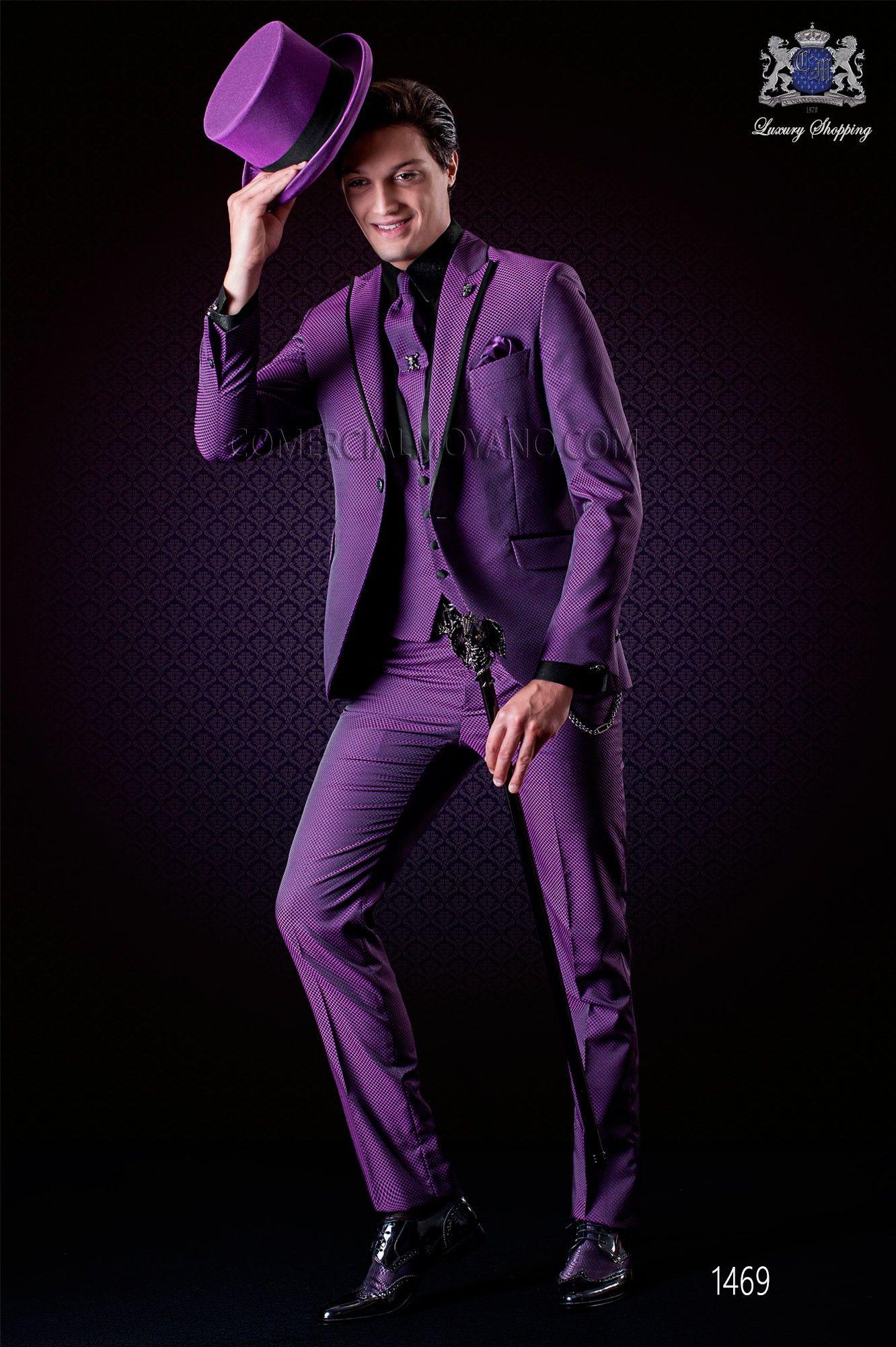Italienische purpur Mikromuster Bräutigam-Anzug. Spitzen Revers mit ... bf9ae1703b1