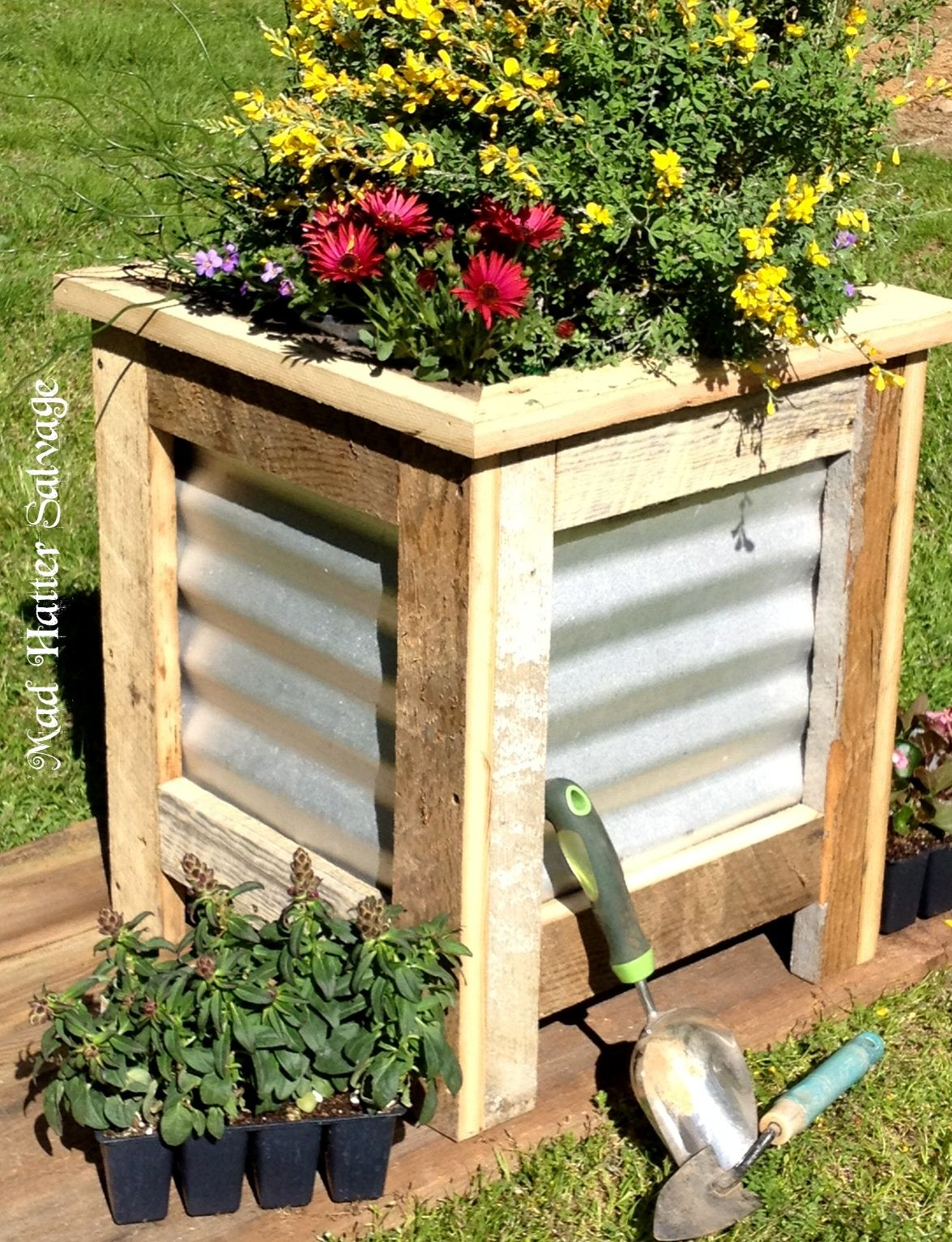 Reclaimed Lumber and Metal Roofing Planter Box - & Reclaimed Lumber and Metal Roofing Planter Box - | Reclaimed ... memphite.com