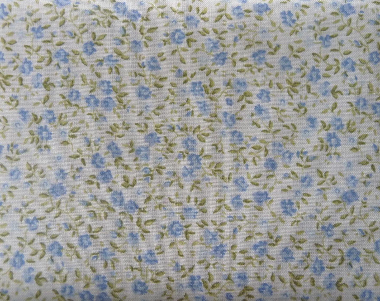Résultats Google Recherche d'images correspondant à http://galerie.alittlemercerie.com/galerie/sell/57295/autres-tissus-tissu-thermocollant-liberty-bleu-et-1047309-toile-thermo-02-020-bcebd_big.jpg
