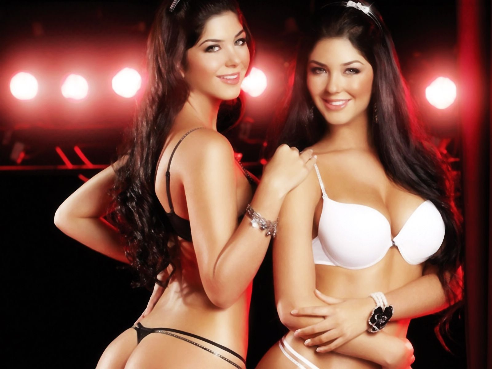 Sexy Hot Twin Girls Grace Faerie Chivette Rosa Best Blonde Ichive Gifs