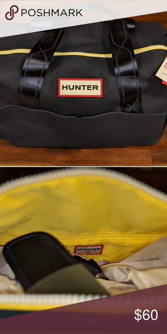 e425d38ea346 Hunter for Target Duffle Bag - Navy NWT - navy exterior and yellow  interior. Never used. Hunter Bags Travel Bags