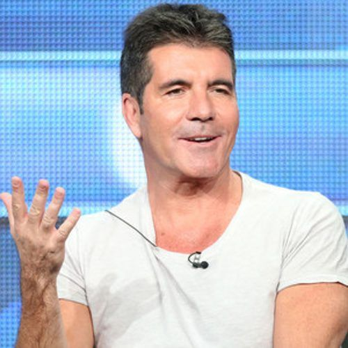 Simon Cowell is going in una dirección nueva! In case you were wondering why the acerbic Englishm...