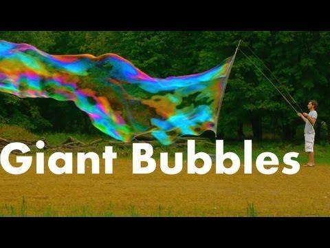 Come fare le bolle di sapone giganti (VIDEO)