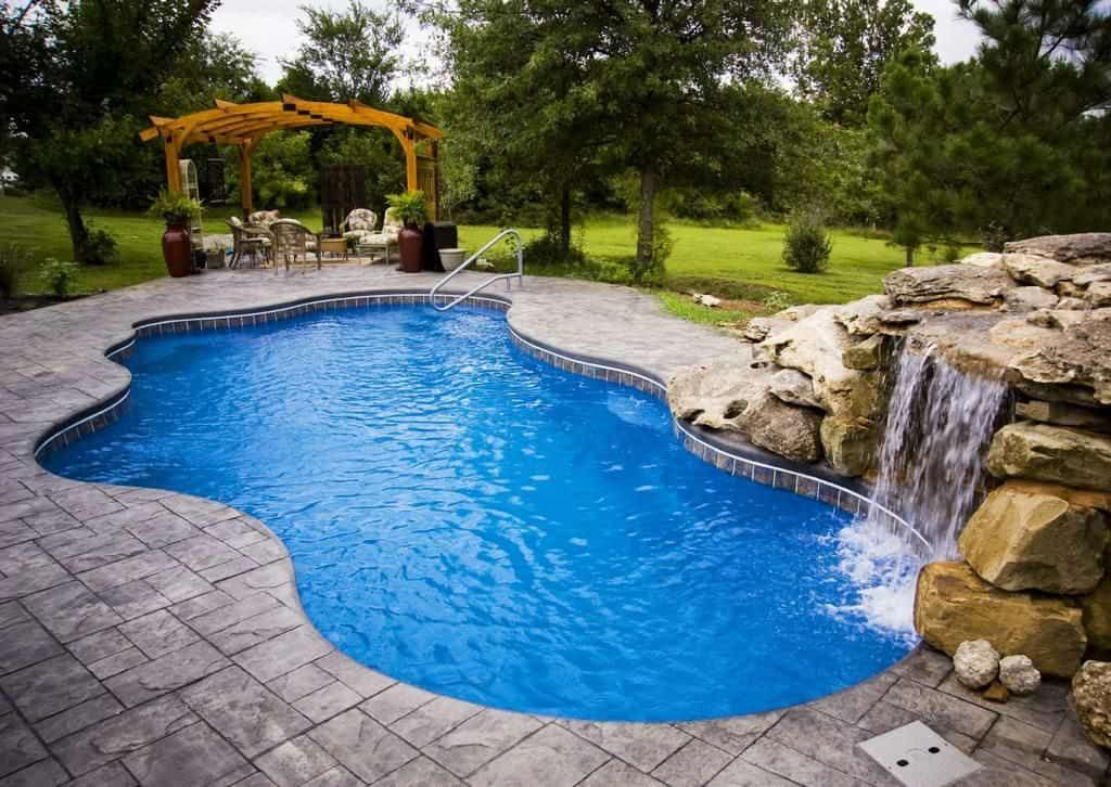 The Benefits Of Saltwater Pools Pool Landscaping Saltwater Pool Backyard Pool