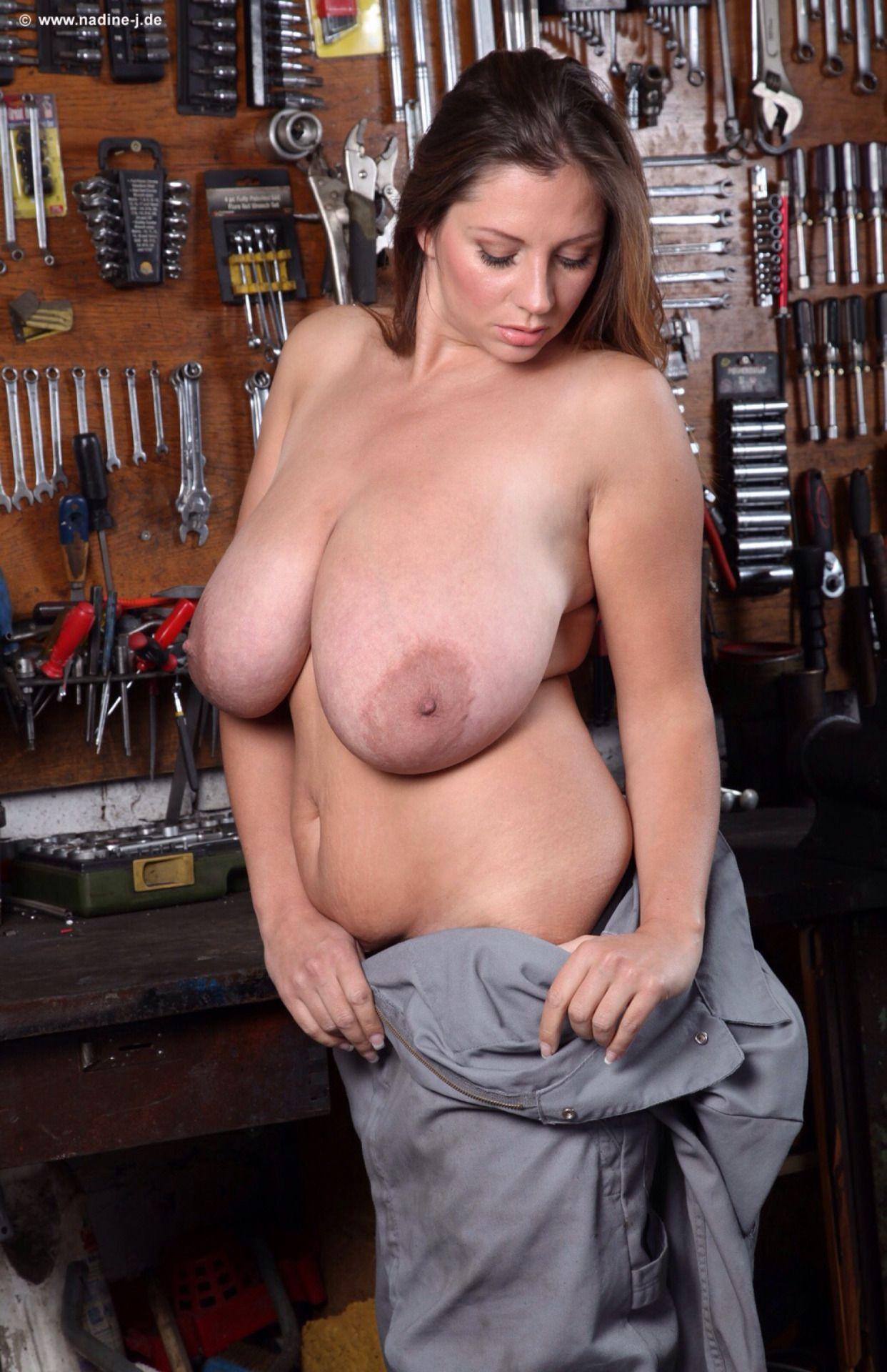 Natural big tits foto