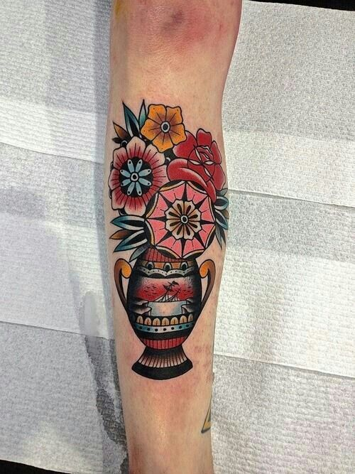 14 Decorative Flower Vase Tattoos Tattoo Tatuagem
