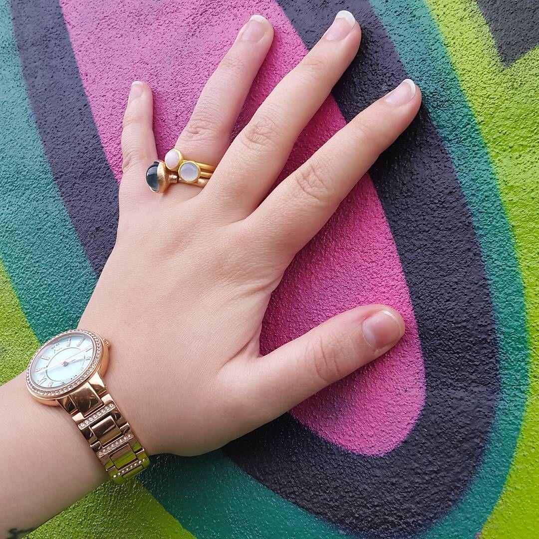 Farver og bubble ringe fra @hvisk. Find link til min Hvisk profil i bio. #hvisk #hviskstyling #hviskstylist #hviskjewellery #smykker #jewellery #ringen #fingerring #fingerringe #ring #fossil #olelynggaard