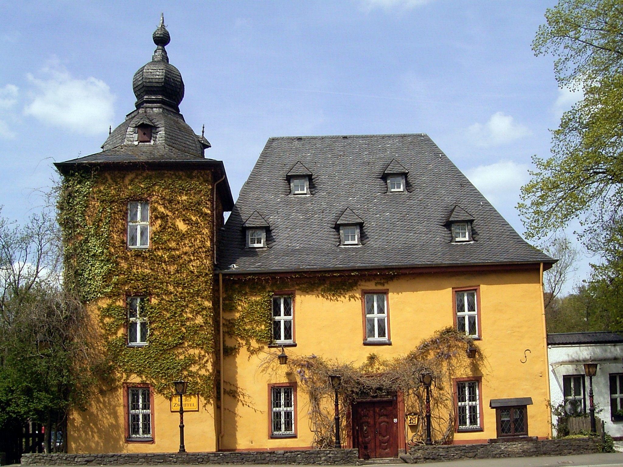 Burg Zweiffel Bergisch Gladbach Herrenstrunden (mit