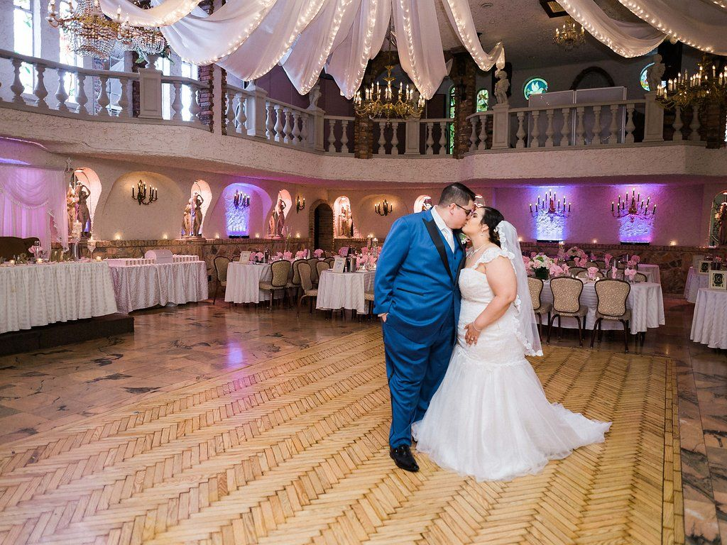 Top Reasons Why You Should Create A Wedding Website Http Www Villarussocatering Com Wedding Website Venue Qu Nyc Wedding Wedding Website Newlyweds
