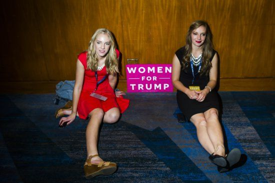 Why So Many Women Abandoned Hillary Clinton