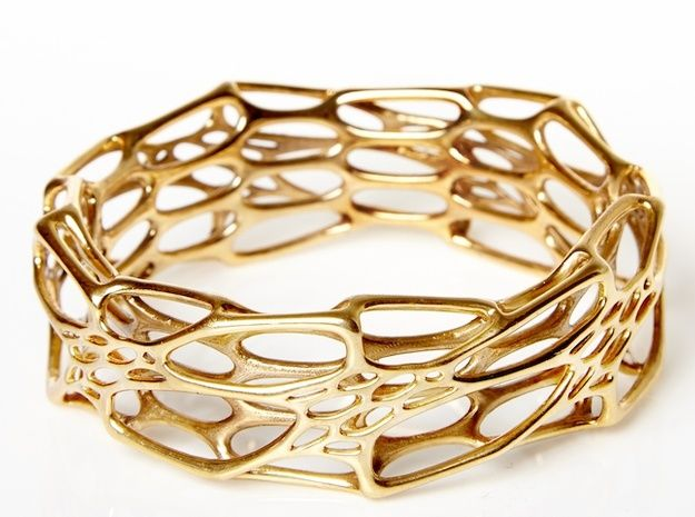 A bangle inspired by the complex cellular patterns of nature