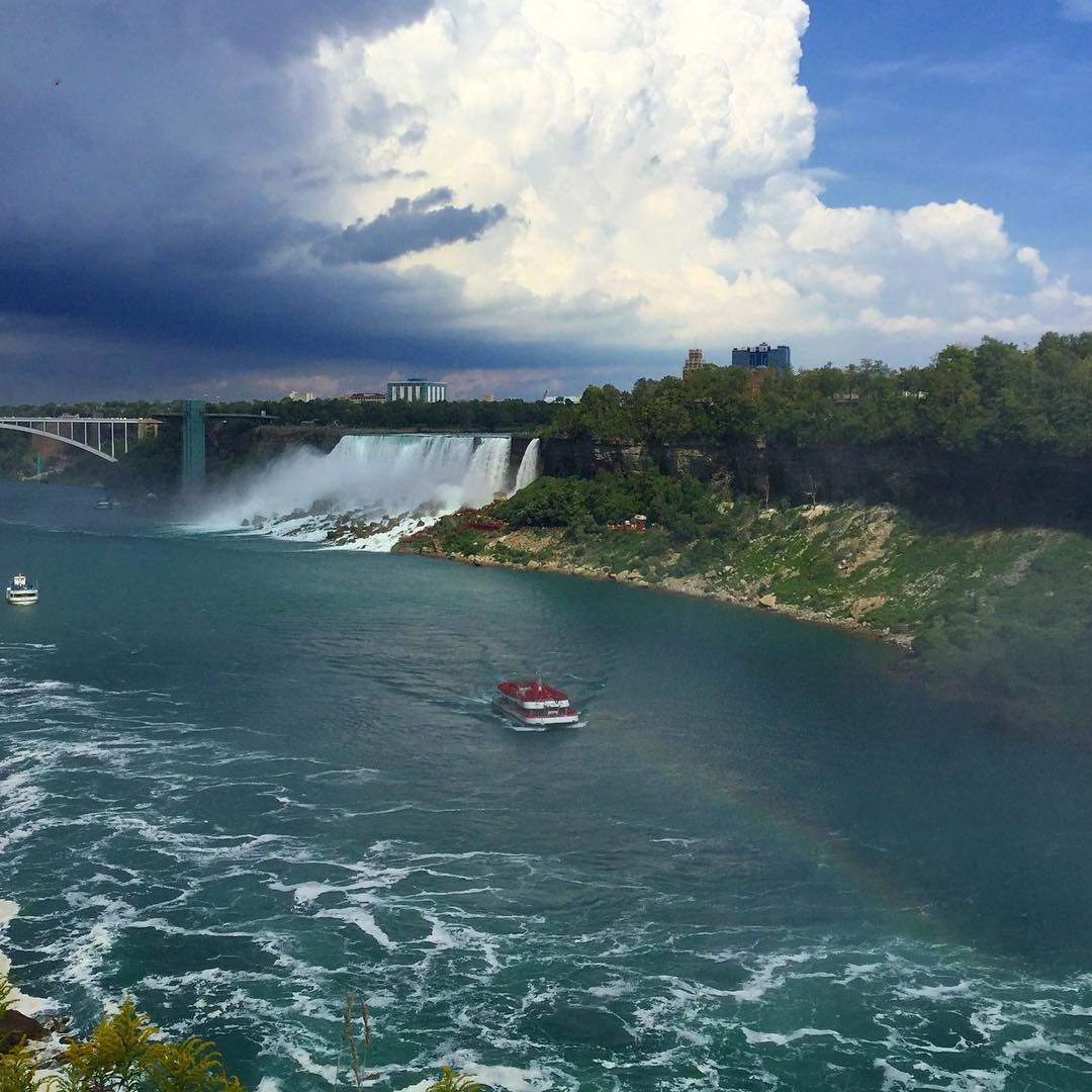 Bogyeong Kim on Instagram: 저쪽은 이쪽은  #여행#여행스타그램#트립#트립스타그램#트래블#트래블스타그램#캐나다#미국#국경#나이아가라#나이아가라폭포#여행사진#trip#tripstagram#travel#tra