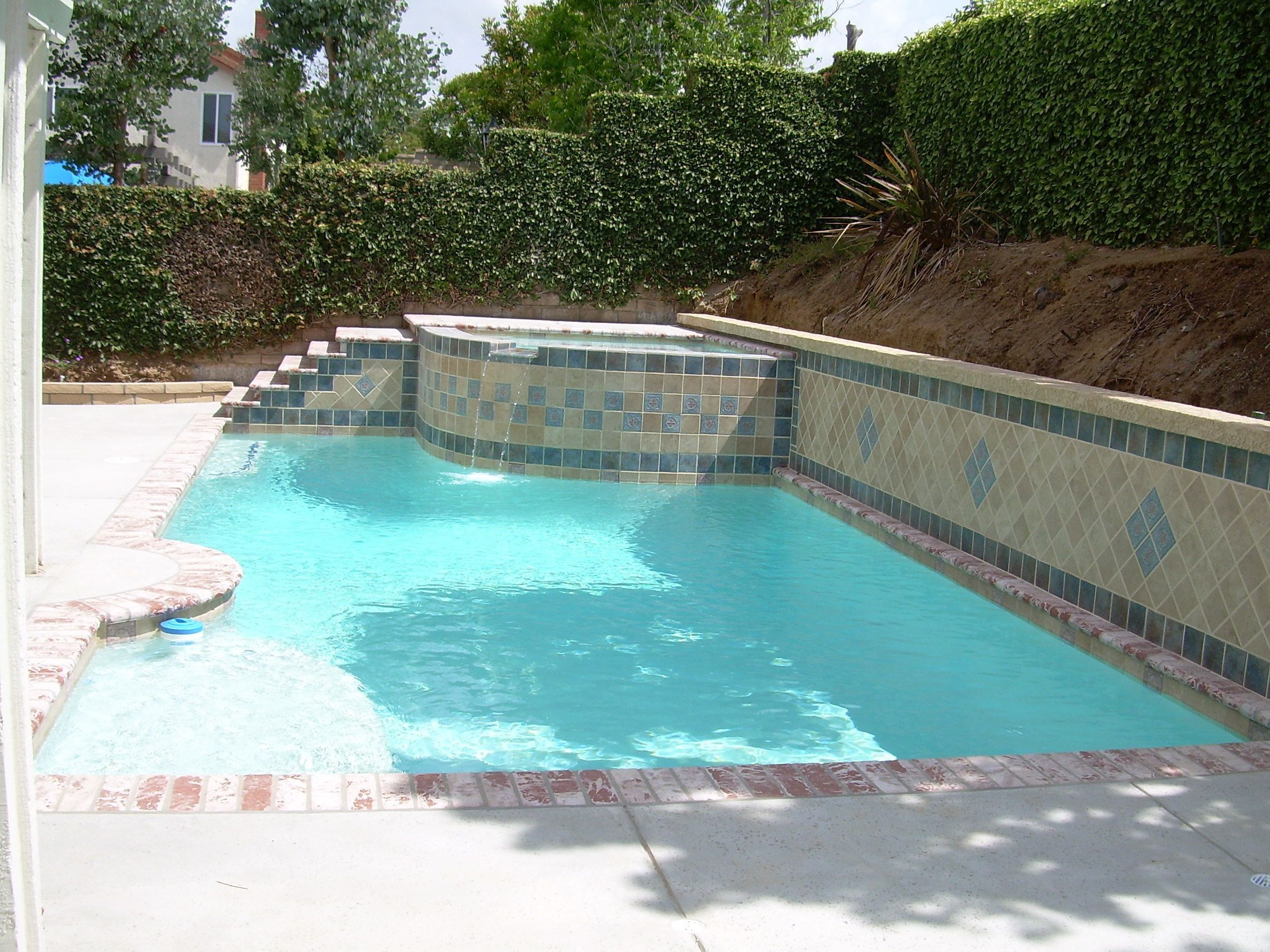 small backyard pools Small Backyards