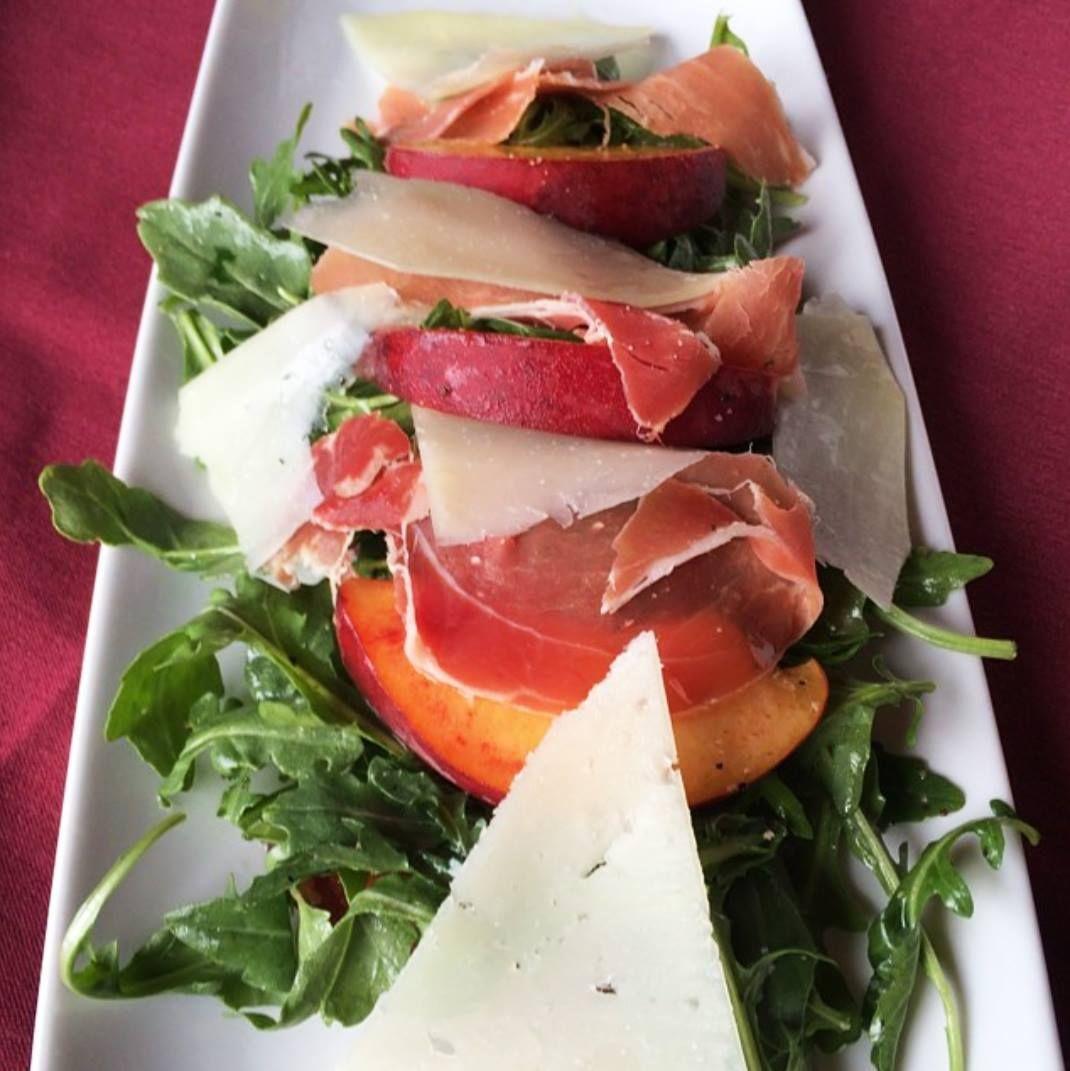 Sangria Knoxdallas Wine And Dine Caprese Salad Food