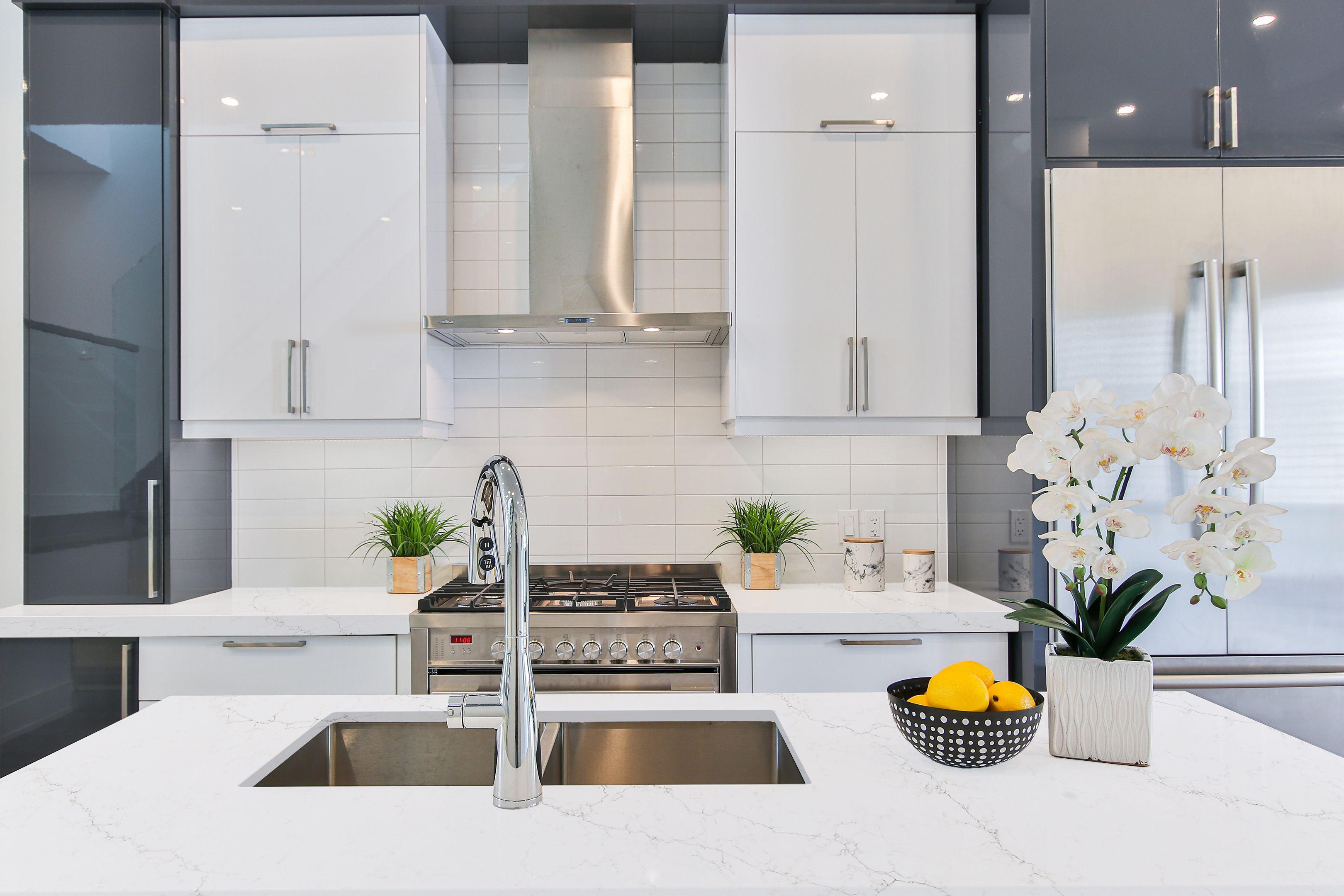 Naurelle Vadara Quartz Countertop Kitchen Design Centre