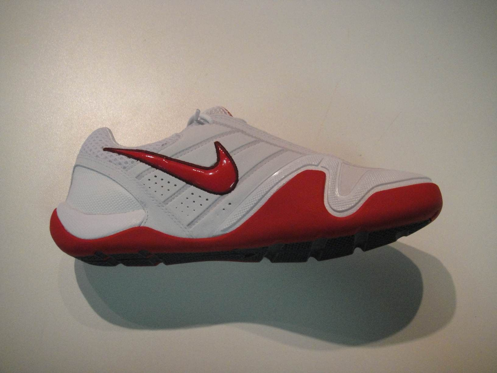 incompleto comerciante Especialmente  Nike Air Zoom FencingShoes Red | Fencing shoes, Nike, Nike air zoom
