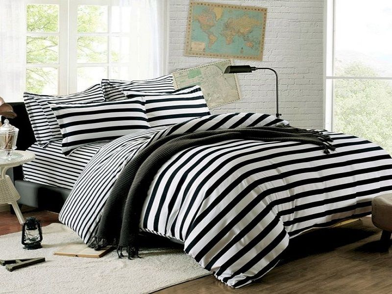 227628c425 20+ Black and White Bedding | Bedroom | White bedding, Black bedding ...