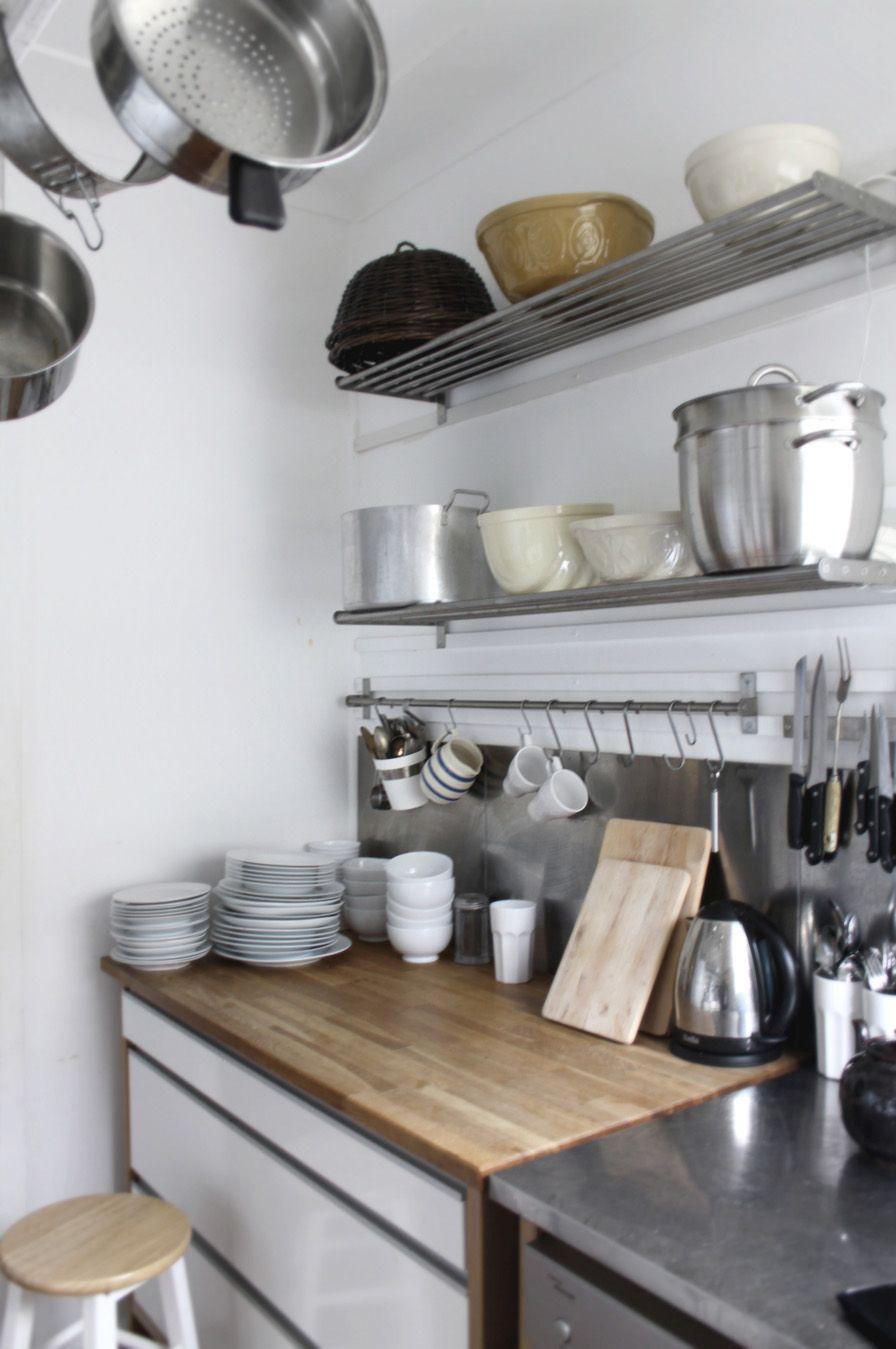 Best Tiny Cottage Kitchens Shelves Storage Jars Ikea 400 x 300