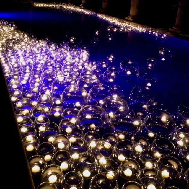 Floating Candles Swimming Pool Wedding K G Wedding Pinterest Pool Wedding Floating